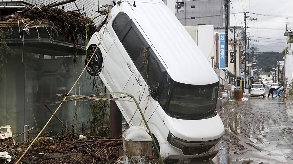 Rund 1,1 Millionen Bewohner sollen Unwettergebiete in Japan verlassen