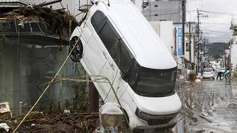 Unwetter haben im Südwesten Japans schwere Schäden angerichtet. Foto: Yuki Sato/Kyodo News/AP/dpa