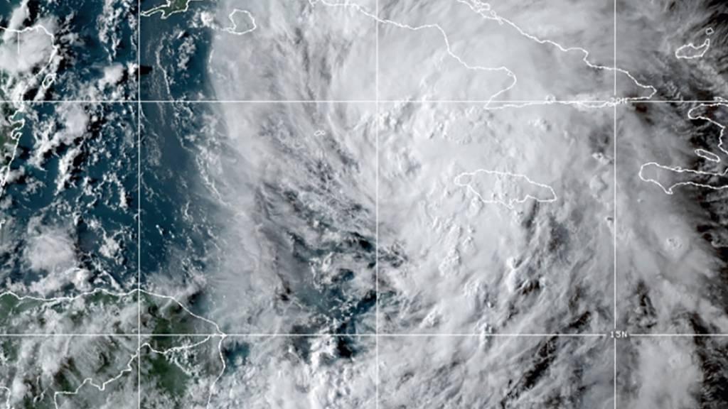HANDOUT - Tropensturm «Ida» bewegt sich auf Kuba und die Golfküste der USA zu. Jetzt gilt eine Hurrikanwarnung für die US-Bundesstaaten Louisiana und Mississippi. Foto: -/NOAA/AP/dpa - ACHTUNG: Nur zur redaktionellen Verwendung und nur mit vollständiger Nennung des vorstehenden Credits