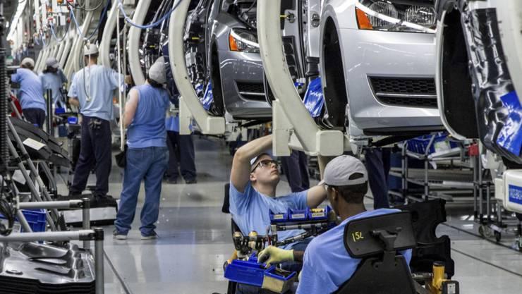 VW verschärft sein Sparprogramm und baut bis zu 7000 Arbeitsplärte ab. (Archivbild)