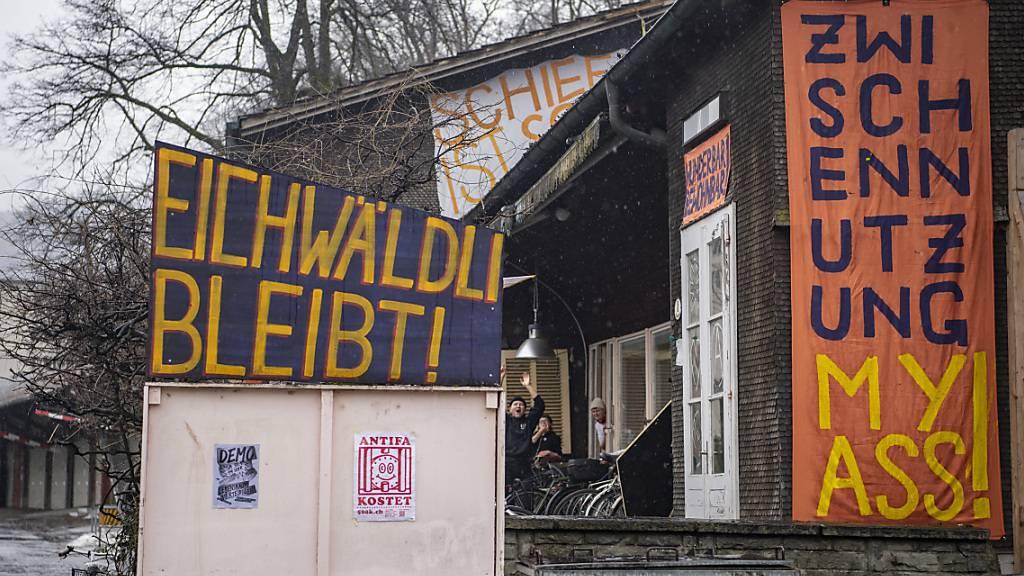 Kundgebung für Neubeurteilung im Streit um Luzerner Soldatenstube