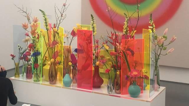 """So farbenfroh präsentiert sich die Ausstellung """"Blumen für die Kunst"""""""
