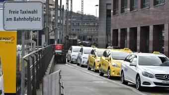 Zu wenig Taxistandplätze beim Bahnhof Olten.