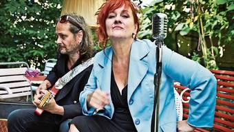 Der Dietiker Gitarrist Jean-Pierre von Dach und die Sängerin Gigi Moto sind der Kern der Band Gigi Moto.