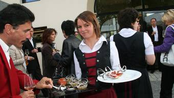 Leckere Häppchen aus der Küche des neuen Schöftler Gastronomiebetriebs «Schlossgarten» im Schlosshof. (wpo)