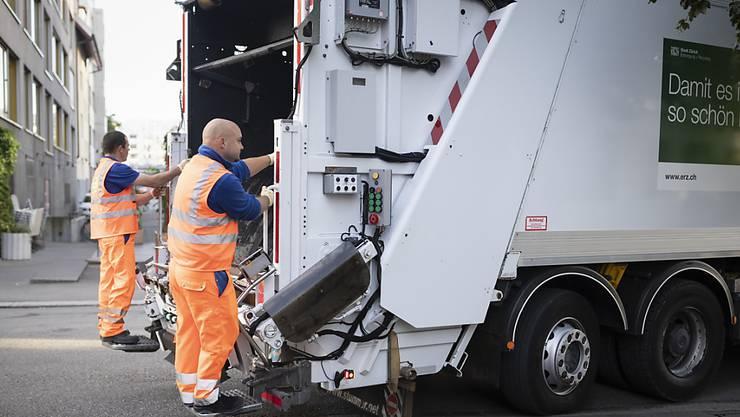ERZ Entsorgung + Recycling Zürich setzt bei neuen Kehrrichtwagen auf alternative Antriebe. (Symbolbild)
