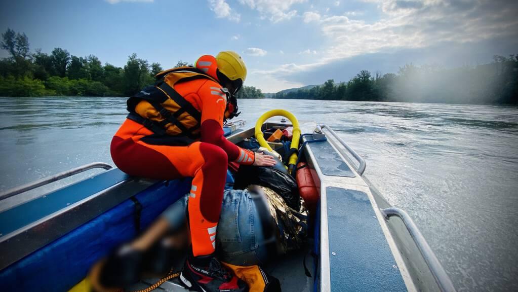 Die Rettungsaktion auf der Rhone am Sonntagmorgen.