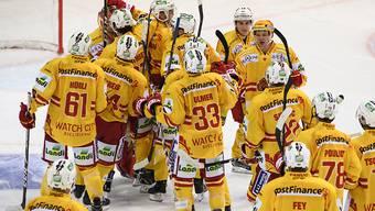 Sieg nach Penaltyschiessen: Die Bieler Spieler jubeln in Bern