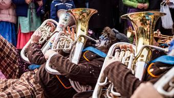 Guggenmusik ist längst eine eigenständige Subkultur geworden, die sich von Basel weit entfernt hat.