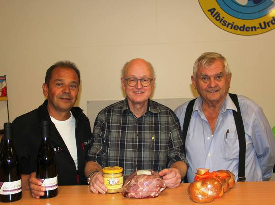 Die Endschiessen-Stichsieger (vl): Hansruedi Meier Wein), Bruno Lässer Honig- und Saustich), Werner Hirt Juxstich)