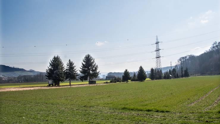 Quer über das Areal des Schwingfestes in Pratteln verläuft eine Hochspannungsleitung.