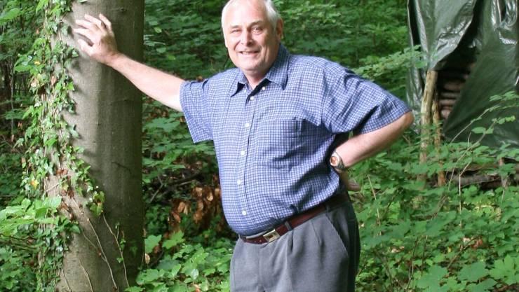 Trotz Zeckenstichen kann der Vollblut-Förster Walter Wüst vom Wald nie genug kriegen. (som)