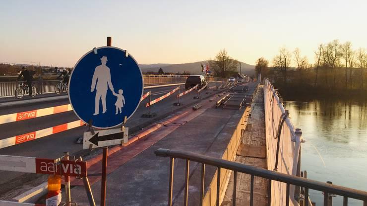 Die Aarebrücke zwischen Döttingen und Kleindöttingen am 2. April 2020.