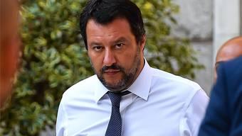 Matteo Salvini hält Flüchtlinge als Geisel. Damit will er die EU erpressen.