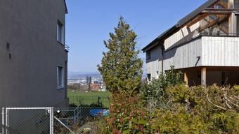In Binningen (im Bild die Wilhelm-Denz-Strasse) ist Bauland teuer.