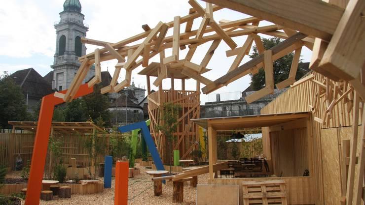 Mit dem Holzturm warb der Verband der Bürgergemeinden und Waldeigentümer an der letzten Herbstmesse in Solothurn für den Kraftort Wald.