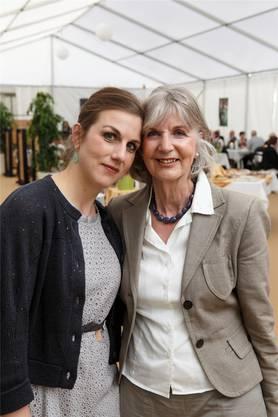 Kathrin und Gabriela Jacober, Tochter und Mutter aus Erlinsbach geniessen.