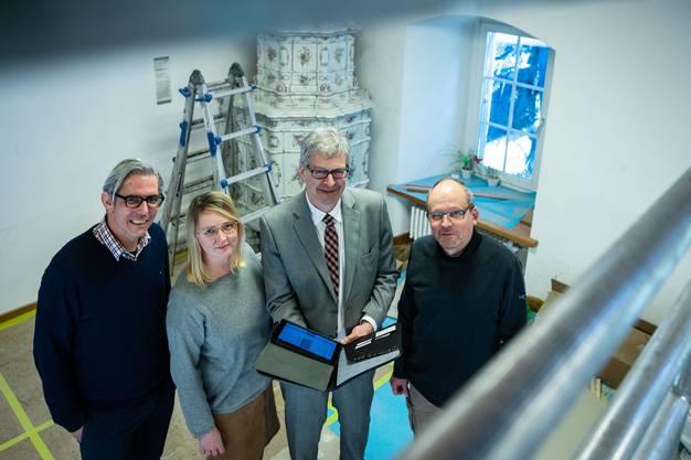 Geschäftsführer der Stiftung Schloss Lenzburg (v.l.) René Marty und Christine Ziegler, Stiftungspräsident Daniel Mosimann und Sandro Hächler, Kanton.