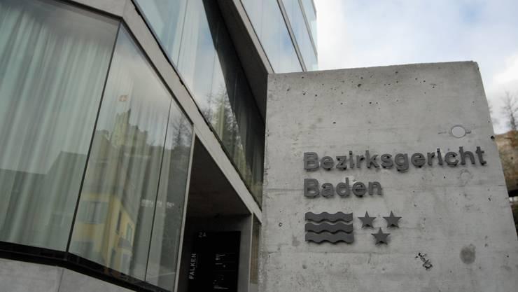 Die Täterin stand wegen Urkundenfälschung und betrügerischem Missbrauch einer Datenverarbeitungsanlage vor dem Bezirksgericht in Baden.