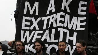 G8-Gegner demonstrieren in London