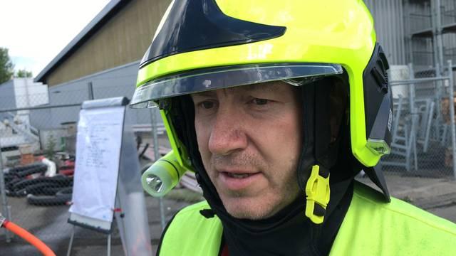 «Man kann vermutlich von einem Totalschaden reden»: Roger Strebel, Kommandant Regio Feuerwehr Lenzburg über den Einsatz auf dem Werkhof-Areal in Lenzburg.