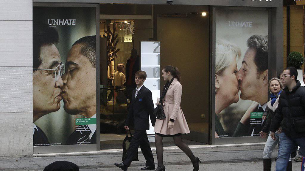 Mit provokativer Werbung ist die Marke Benetton berühmt geworden - am Montag ist nun Gilberto Benetton, einer der Mitbegründer der Modemarke, im Alter von 77 Jahren gestorben. (Archivbild)