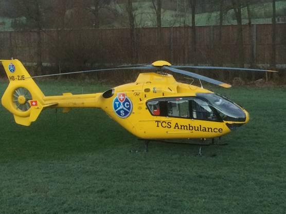 Der Rettungshelikopter brachte die Frau ins Spital.