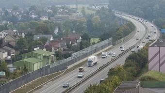 Die Autobahn bei Lenzburg: Hier kam es zum Auffahrunfall in der Nacht auf Samstag. (Symbolbild)