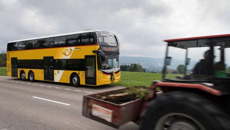 Werden doch noch ersetzt: Doppelstock-Postautos im Obertoggenburg.