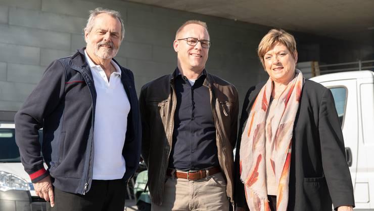 Roger und Marlies Saudan umrahmen Yves Kessler, den neuen Geschäftsführer der Firma Saudan AG.