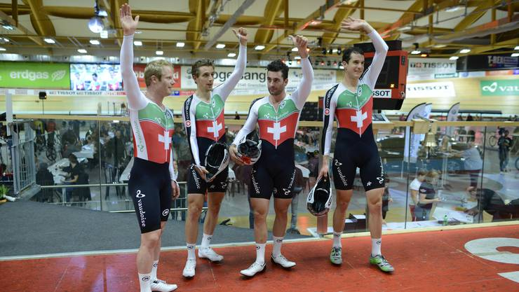 Der Schweizer Vierer mit (v.l.) Loic Perizzolo, Olivier Beer, Tristan Marquet und Claudio Imhof besiegten den amtierenden Olympiasieger Grossbritannien.