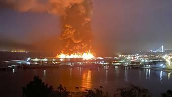 In San Francisco hat ein Feuer einen Teil der historischen Hafenanlage zerstört.