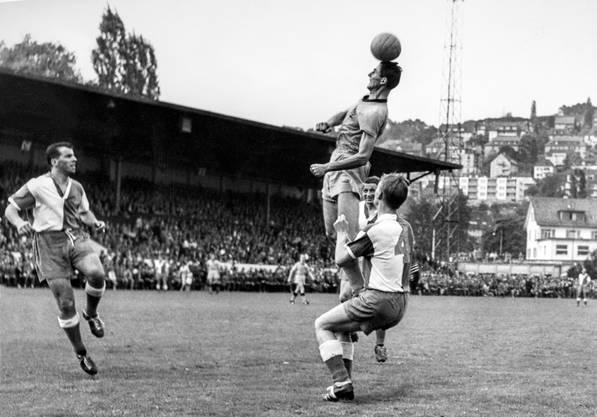 Der vor 90 Jahren eröffnete Hardturm (im Bild ein Spiel zwischen GC und YB im Jahr 1959) war der dritte grosser Sportplatz, der in Zürich den 1920er-Jahren entstand.