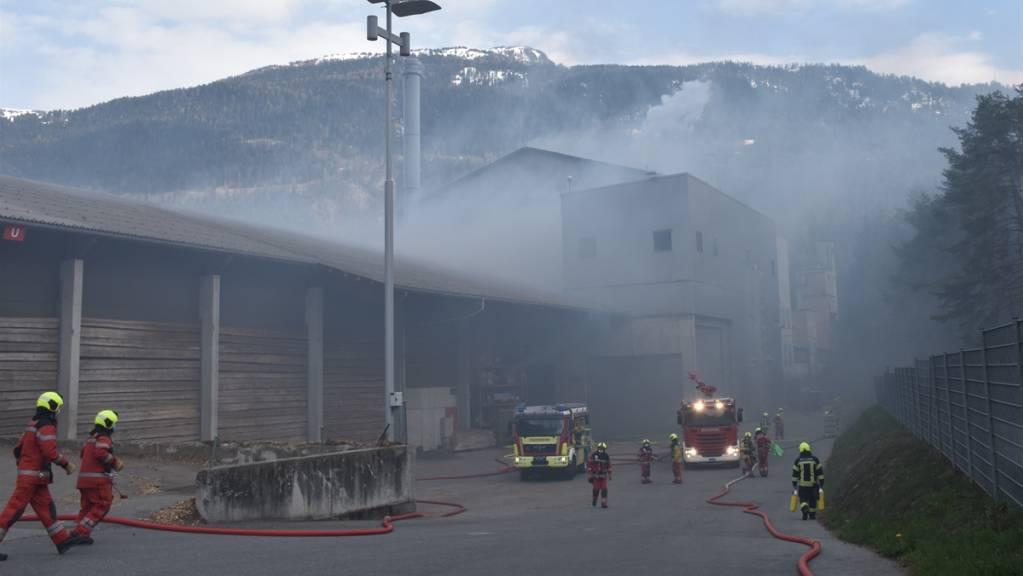 Beim Brand auf dem Areal der Axpo Tegra in Domat/Ems ist ein Sachschaden von einer Million Franken entstanden.