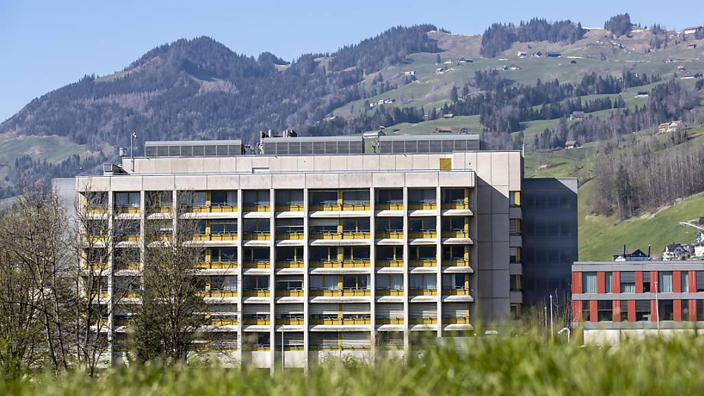 Das Spital Schwyz wird durch die Coronakrise gefordert. (Archivaufnahme)