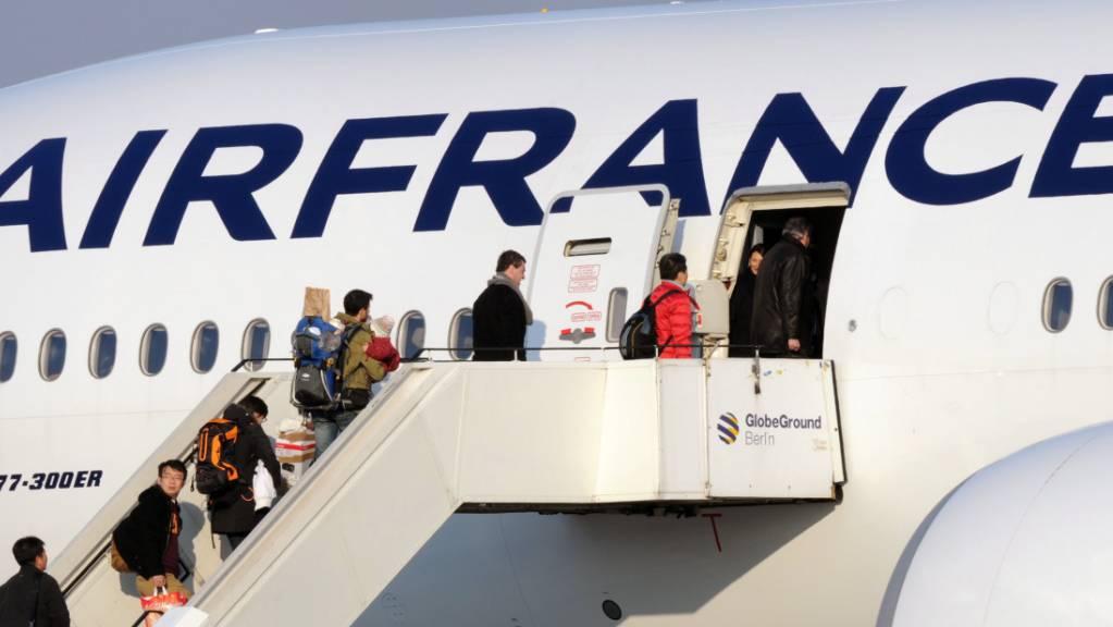 Die französische Fluggesellschaft Air France will 7500 Stellen streichen. (Archivbild)