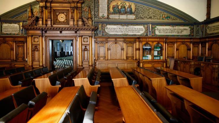 Wer als Politiker in den Schaffhauser Kantonsrat will, muss künftig seine Interessenbindungen offenlegen.