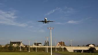 In Flughafennähe sollen Bauzonen ausgeschieden werden können. So will es der Bundesrat.