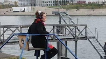 Das Festival ZeitRäume in Basel bringt Innen- und Aussenräume zum Erklingen wie beim Projekt H.E.I.-Guide von Sibylle Hauert im Klybeckquartier.
