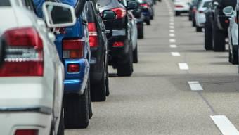 Schluss mit Stau: Aesch erhält einen «vollen» Anschluss an die Autobahn. (Symbolbild)