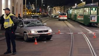 Die Basler Todesfahrt im Jahr 2012 endete auf der Mittleren Brücke (Archiv)