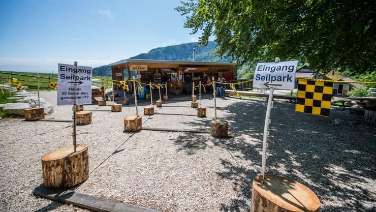 Seit Samstag ist der beliebte Seilpark auf dem Balmberg wieder offen.