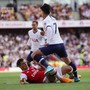Granit Xhaka foult Son Heung-Min und verschuldet den Penalty, der Tottenham 2:0 in Führung bringt