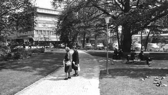 Der Kasinogarten im Jahr 1967, kurz bevor die Tiefgarage samt Zivilschutzanlage gebaut wurde.