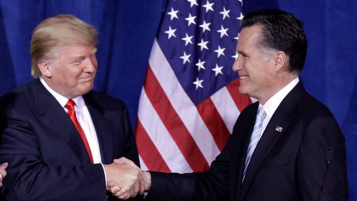 Gute Miene zum bösen Spiel an einem Treffen 2012? Trump nannte Romney einen Verlierer, weil er den Wahlkampf gegen Obama verloren hat.