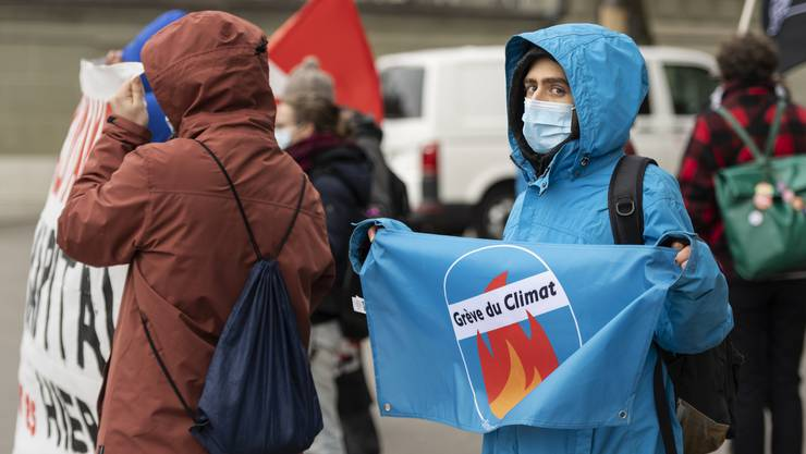 Ein Teil der Schweizer Klimabewegung hat das Referendum gegen das CO 2 -Gesetz ergriffen.