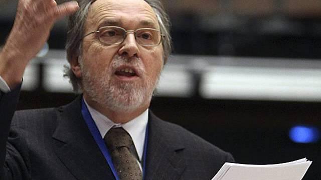 Dick Marty vor den Abgeordneten des Europarats in Strassburg