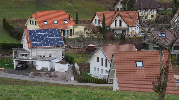 Für Solaranlagen auf Häusern in der Bauzone braucht es keine Bewilligung...