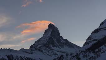 Ein südkoreanischer Alpinist stürzte am Montag am Matterhorn in die Tiefe. Er konnte nur noch tot geborgen werden. (Archivbild)