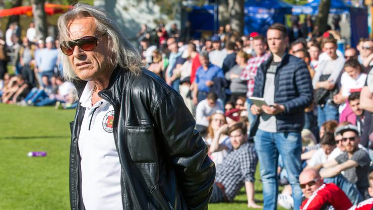 Kult-Trainer Radi Schibli und unser Reporter (rechts).